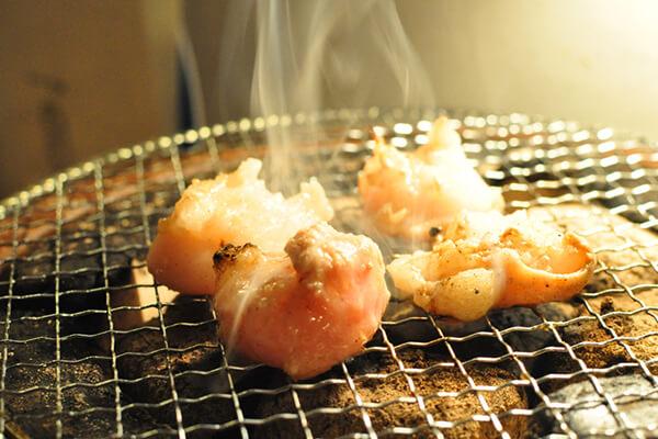 ホルモン焼肉8hachi_塩ホルモン(洗いタレ)_焼き